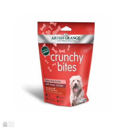 лакомство для собак и щенков с курицей Arden Grange Crunchy Bites Fresh Chicken