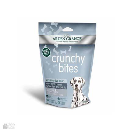 лакомство для щенков и взрослых собак с рыбой и картошкой Arden Grange Crunchy Bites Sensitive Fresh Ocean White Fish & Potato