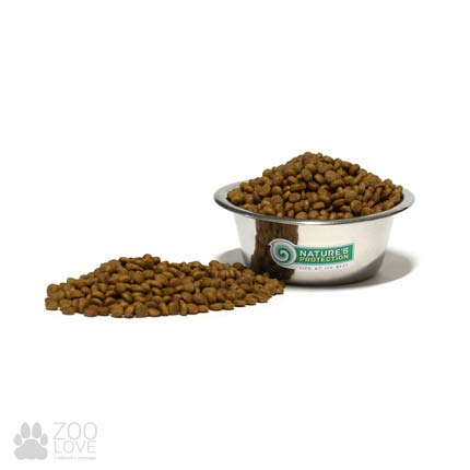Вид / гранулы сухого корма Nature's Protection для котят