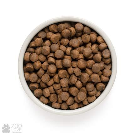 Изображение гранул сухого корма для щенков всех пород Grandorf Lamb & Rice Adult Medium Breed