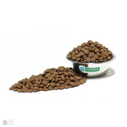 Гранулы сухого корма для собак Натур Протекшн Nature's Protection Superior Care Black Coat